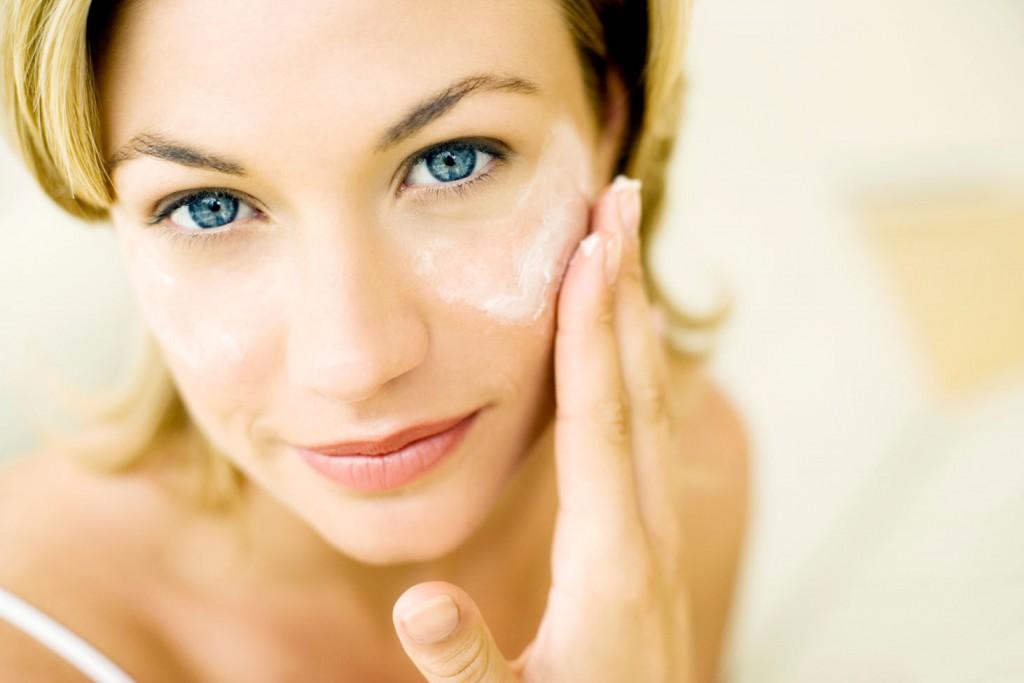 Forever flawless reviews woman applying anti wrinkle fake cream